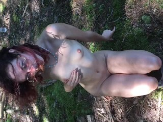 Uber-cute Nubile w/ Glasses Gives a Voluptuous Jiggly Gargle Thumb