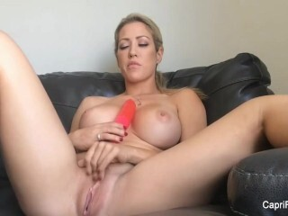 Super-naughty Capri Cavanni puts a ample faux-cock in her honeypot Thumb