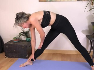 Bare joga with fully stretched wooly puss Thumb