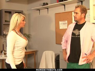 MomsWithBoys - Cougar Brooke Haven Flirts And Drills The College Nurse Thumb
